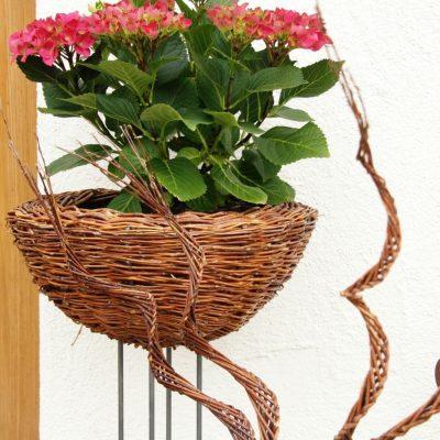 Blumenständer mit Spiralen