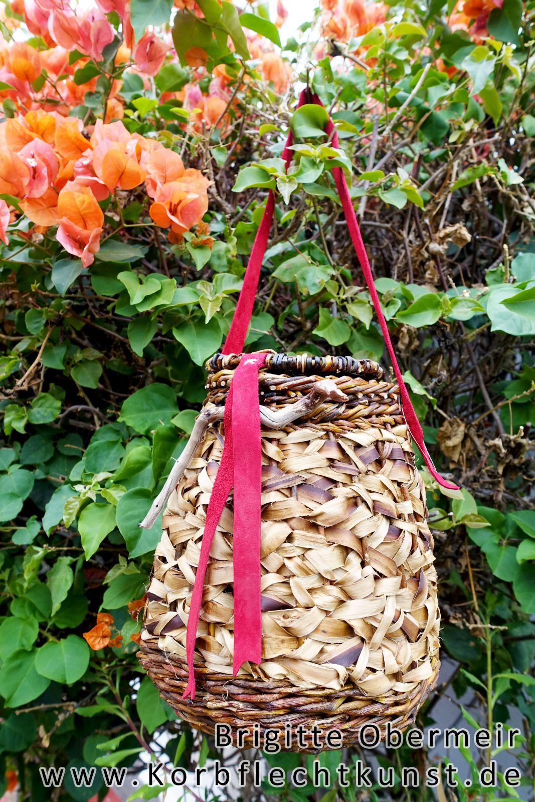 Korbtasche mit Weidenrinde und Deckel